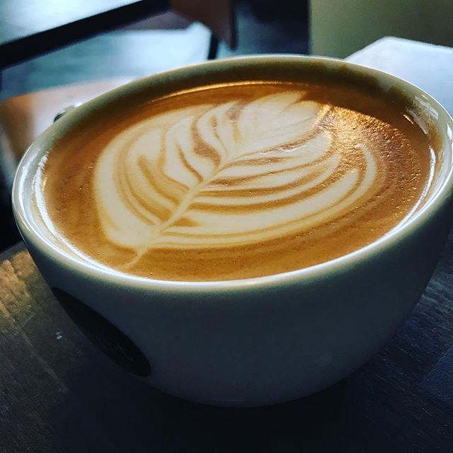good morning!!今日は寒いので#latte がおすすめです^ ^!takeoutもできるので是非!! #elskaheartcoffee #coffee #coffeetime - from Instagram
