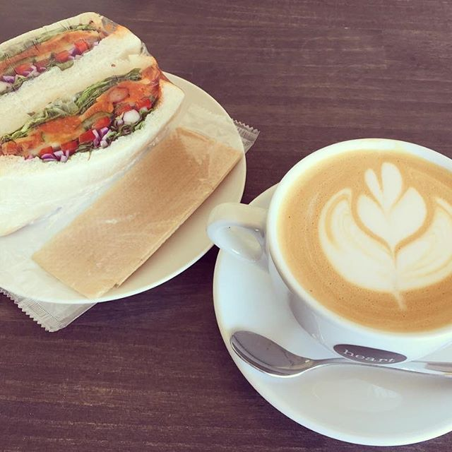 """Hi there! We started serving """"white mocha"""". You will enjoy it with your great time!ハイグレードなホワイトチョコレートの風味をご堪能頂けるモカです️#elskaheartcoffee #whitemocha - from Instagram"""