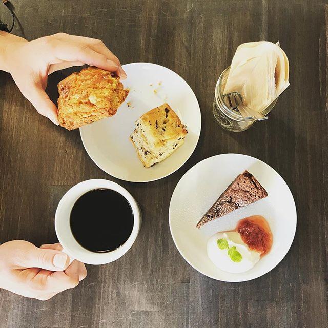 浅煎りの豆によく合うSweetsをご用意して本日もお待ちしております#elskaheartcoffee #espresso #coffee #scone - from Instagram