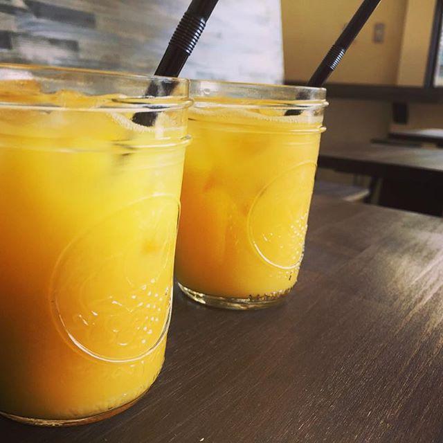 Elskaではお子様連れのお客様にオレンジジュースをサービスさせて頂いておりますもちろんテイクアウトもOK ご来店お待ちしております!#elskaheartcoffee #coffee #orangejuice - from Instagram
