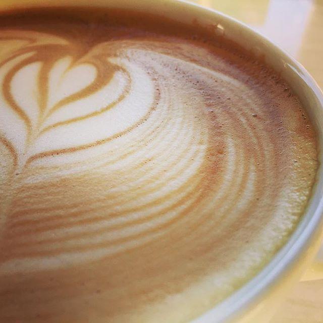 Hi :))一日の疲れを癒せるコーヒーをElskaで。#elskaheartcoffee #coffee #latte - from Instagram