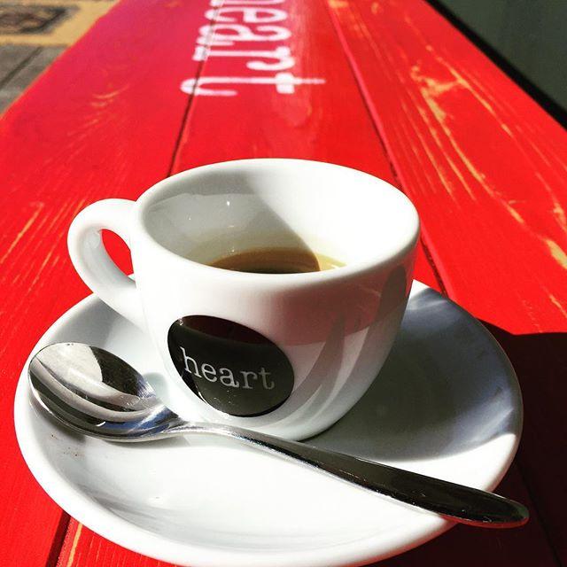 おはようございます本日のエスプレッソは、青リンゴのようなフレーバーが特徴のコロンビア豆を使用しております!Check it out !!#elskaheartcoffee #espresso #coffee #colombia #beans - from Instagram