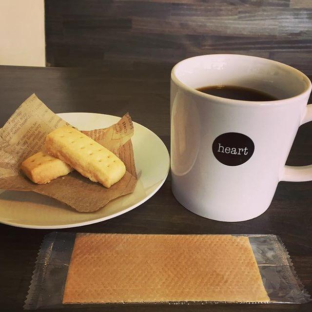 希少小麦を使ったショートブレッドが数量限定で出来上がりました!コーヒーにとても良く合いますので是非#elskaheartcoffee #coffee #specialitycoffee #pourover - from Instagram