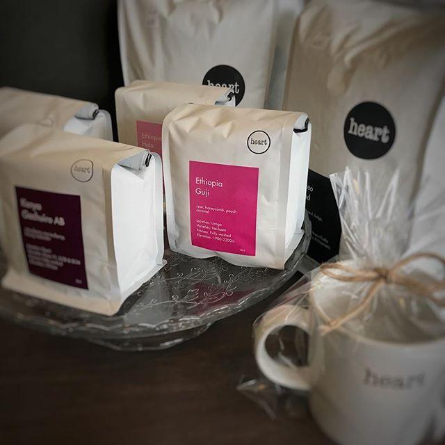 こんにちは!新しい豆が届きました!Ethiopia GujiEthiopia HaloKenya Gachuiro ABGuatemala La Esperanza今回初めてのEthiopia Gujiは華やかでフルーティな飲み心地が特徴です!是非飲みにいらして下さい!! #elskaheartcoffee #coffee #espresso #coffeetime #coffeeshop #heartcoffee #latte #栃木カフェ - from Instagram